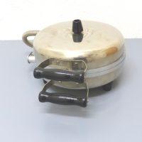 Elektrisches Gastro-Waffeleisen ; belgische Waffeln